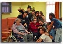 Amigos de los Mayores visita la Residencia Goya por el 1 de Octubre