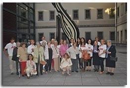 Amigos de los Mayores visita la exposición de Dali con AON