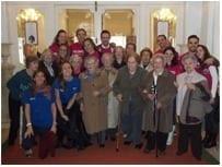 Amigos de los Mayores visita el Museo del Romanticismo con empleados de Antena 3