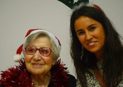 Una gran fiesta para que las personas mayores solas no pasen solas la Navidad