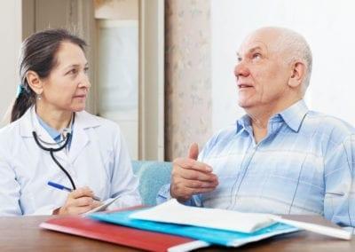 Grandes Amigos colabora con la semFYC para detectar y prevenir casos de soledad en personas mayores